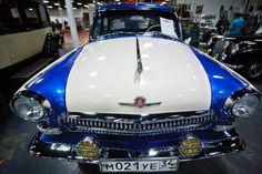 Dos veces al año, con la llegada de la primavera y del otoño, gran cantidad de autos procedentes de Europa Central y del Este llegan hasta Moscú para participar en la Oldtimer Gallery, un lugar donde se exhiben los mejores coches de aquella época.