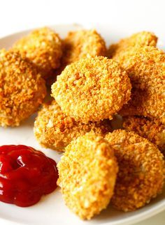 Chick'n Nuggets Copycat Recipe - These meatless nuggets are packed with flavor, perfectly dippable and no, you won't even miss the meat. Help the Earth, go vegan!
