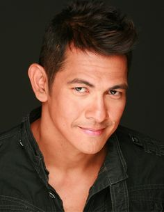 "Meet the extraordinary Edgardo José Martin Santiago Valenciano, more popularly known as ""Gary"" Valenciano or simply ""Gary V"". He is a world-class performer born and raised in the Philippines. He's lived with Type 1 diabetes since he was 14 years old. Those diagnosed with the same illness begin to physically deteriorate at the age of 30. ""I'ts just God's goodness that sees me through"". Gary Valenciano http://www.thextraordinary.org/gary-valenciano"