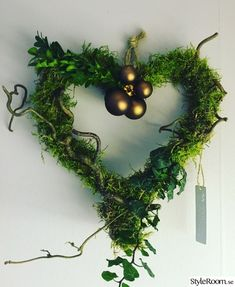 julkrans,dörrkrans,inspiration,dekoration,jul Christmas World, Christmas Feeling, Country Christmas, Simple Christmas, Winter Christmas, Christmas Time, Christmas Wreaths, Christmas Ornaments, Xmas Decorations