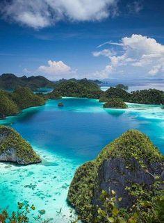 Indonesia west men papua