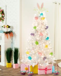 Make your white Christmas fantasies become a reality with the enchanting Winter White Christmas Tree. Shop Treetopia for white Christmas trees and more now. White Artificial Christmas Tree, White Christmas Trees, Beautiful Christmas Trees, Mardi Gras Decorations, Holiday Fun, Holiday Decor, Easter Tree, Colorful Trees, Tree Toppers
