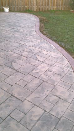 Backyard Patio I like the birder - ashlar slate stamped concrete patio with colour hardener border. Small Brick Patio, Small Backyard Patio, Backyard Patio Designs, Brick Patios, Backyard Landscaping, Patio Ideas, Pergola Ideas, Driveway Ideas, Pergola Plans