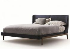 FULHAM - Double bed / contemporary / with upholstered headboard / fabric by Molteni&C Painted Bedroom Furniture, Bed Furniture, Furniture Design, Furniture Outlet, Cheap Furniture, Discount Furniture, Furniture Ideas, Master Bedroom Design, Home Decor Bedroom
