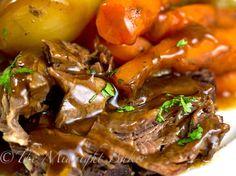 Slow Cooker Classic Pot Roast | bakeatmidnite.com |  #SlowCooker #CrockPot #PotRoastRecipe