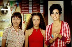 "017 ""Sole (Lola Dueñas), Paula (Yohana Cobo) y Raimunda (Penélope Cruz) "" / Volver (2006) / #Almodovar"