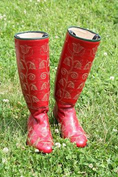 Hungarian Embroidery Hungarian Boots - only for dancing and for women Budapest, Braided Line, Scandinavian Folk Art, Hungarian Embroidery, Folk Dance, Folk Fashion, Red Boots, Arte Popular, Folk Costume