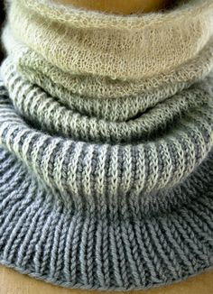 Laura's Loop: Ombre Cowl ~ free pattern ~ The Purl Bee ~ Knitting Crochet Sewing Embroidery Crafts Patterns and Ideas!