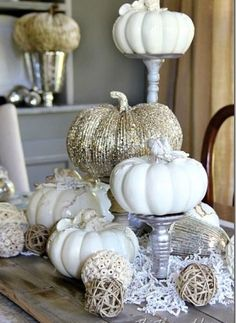 White and Gold Thanksgiving Tablescape