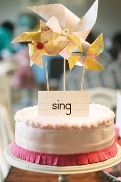 pinwheel-fringe-cake