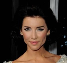 Celebrity Curled Out Bob Hairstyles: Jacqueline Maclnnes  #shorthair #shorthairstyles #bobhairstyles