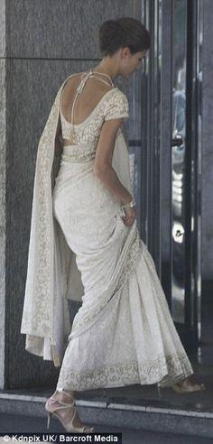 Saris, Ivory Dresses, Indian Dresses, Indian Outfits, Wedding Sari, Wedding Gowns, Gold Wedding, Summer Wedding, Beautiful Saree