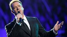 Tenor Russell Watson joins Stephen to chat about his new album 'Only One Man'.