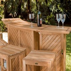 The focal point of any outdoor party or get together no matter the size. The lovely Somerset teak outdoor