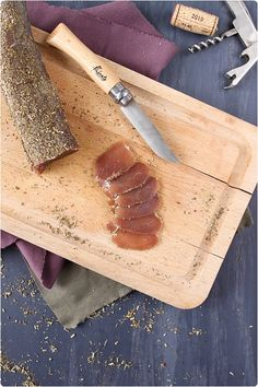 Réaliser sa viande séchée est vraiment très amusant et très facile. Meat Recipes, Cooking Recipes, Tapas Party, French Desserts, I Foods, Food Inspiration, The Best, Food Porn, Yummy Food