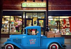 Looking for Wikki Stix in La Grange, IL? Visit Green It Up Gift Shop at the address below! A new shipment of Wikki Stix was just delivered! GREEN IT UP GIFT SHOP 74 S LA GRANGE RD, LA GRANGE, IL 60525, 708-469-7618 #wikkistix