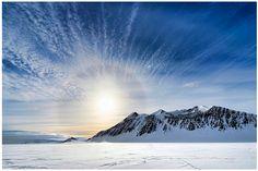 Antartide, terra inospitale e da sempre avvolta nel mistero L'Antartide è il quarto continente per grandezza, il più meridionale ed inospitale della terra. Ritenuto da molti affascinante e misterioso per l'impenetrabile coltre ghiacciata che ne avvolge la sup #natura #ghiaccio #antartide #curiosità