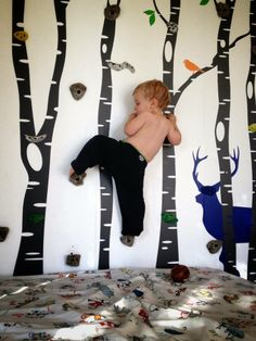 Parede de escalada. Playroom Decor, Games For Kids, Games For Children