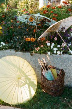Sombrillas para boda…dale un toque de color a tu fiesta! Bodas Únicas 12813ef95c1
