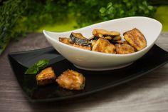 Auberginen-Nuggets mit Parmesanpanade, die vegetarische und Kohlenhydratarme Alternative zu Chicken-Nuggets. Das Rezept gibts hier.