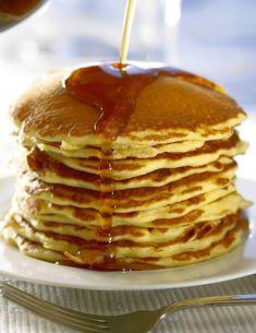 Rozpocznij dzień od słodkiego śniadania. Doda ci energii i poprawi nastrój. Naleśniki, omlety biszkoptowe, croissanty z konfiturą, do tego kawa i możemy ruszać na podbój świata!