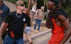 Ku Klux Klan se manifesta nos EUA e são massacrados pelos novos Panteras Negras