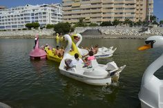 Realizamos actividades Multi Aventura para grupos de despedidas de soltero y soltera en Málaga y Granada. Rafting, descenso, escalada, paseo en globo, rutas Rafting, Boat, Granada, Nature Activities, Zip Lining, Single Men, Trekking, Adventure, Bouldering
