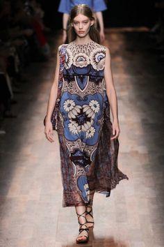 Valentino ready-to-wear spring/summer '15 gallery - Vogue Australia