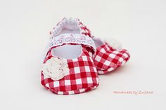 Fabric baby shoes, baby girl, red plaid, country style