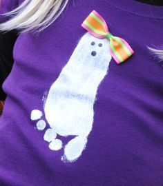 Halloween Shirt Diy Halloween Shirts, Fall Halloween, Halloween Crafts, Holiday Crafts, Holiday Fun, Projects For Kids, Art Projects, Three Little Birds, Daycare Ideas