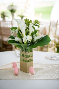 Beautiful Wedding Reception Decoration Ideas - Put the Ring on It Calla Lillies Centerpieces, Calla Lillies Wedding, Calla Lillies Bouquet, Floral Centerpieces, Centrepieces, Purple Calla Lilies, Simple Wedding Bouquets, Rustic Wedding Centerpieces, Wedding Table Decorations
