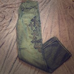Affliction cross jeans MEN Perfect condition. No holes no stains look brand-new! These are men jeans Affliction Pants Boot Cut & Flare
