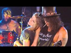 Fergie & Slash - Sweet Child O' Mine + INTERVIEW bad ass SLASH and what Fergie who knew