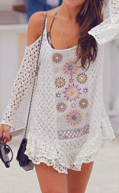 Boho style was promoted and styled for a number of decades. With so many choices offered for boho dresses, we think you can get confused. May you can try to wear these fabulous open shoulder boho. Bohemian Mode, Hippie Chic, Bohemian Gypsy, Style Nomade, Gypsy Style, My Style, Boho Style, Summer Outfits, Cute Outfits