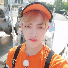 leader of ateez Orange Aesthetic, Kpop Aesthetic, Jung Woo Young, Jung Yunho, Idole, Thing 1, Kim Hongjoong, One Team, Read News
