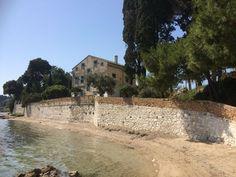 The Durrell's House as seen in ITV's drama series, The Durrells Geweldig mooie plek en een super leuke serie😃 Corfu Greece, Santorini Greece, Athens Greece, Santorini Travel, Corfu Holidays, The Durrells In Corfu, Gerald Durrell, Corfu Island, Under The Tuscan Sun