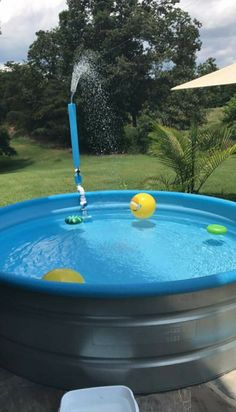 Most Unique DIY Stock Tank Pool Decoration Of This Summer Stock tank pool for this summer? You bet you do! This kind of pool is surely the most popular backyard feature that many homeowners have owned. You will find hundreds Read more… - Salvabrani Stock Pools, Stock Tank Pool, Above Ground Pool, In Ground Pools, Backyard Projects, Outdoor Projects, Pergola, Diy Pool, Better Homes And Gardens
