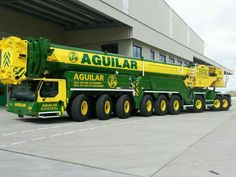 Mobile cranes seem to know NO boundaries in size .