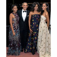 Este natal foi o último da família Obama na Casa Branca https://angorussia.com/lifestyle/este-natal-foi-o-ultimo-da-familia-obama-na-casa-branca/