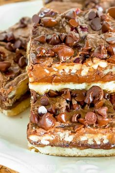 Chocolate Pecan Pie Magic Bars have a buttery, flakey crust and a rich, fudgy chocolate filling, loaded with pecans! An easy, impressive holiday dessert! Cookie Desserts, Cookie Recipes, Dessert Recipes, Bar Recipes, Chocolate Filling, Chocolate Chip Pecan Pie, Chocolate Morsels, Chocolate Heaven, Chocolate Chips