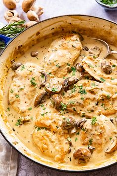 Tender and juicy chicken breasts smothered in garlic mushroom sauce is comfort food that could be in front of you in just 30 minutes! Garlic Mushroom Sauce, Garlic Mushrooms, Mushroom Chicken, Stuffed Mushrooms, Chicken With Mushrooms, Mushrooms Recipes, Ww Recipes, Chicken Recipes, Dinner Recipes