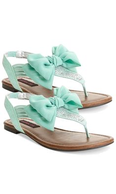I don't even like sandals like these buuutttt.... for these specific Mint Bow Flats I just might make an exception