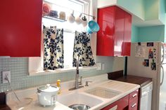 cheery red kitchen #kitchen