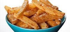 Hjemmelavede pommes frites - lækre og sprøde! Perfekt tilbehør til stegt kød eller som en lækker snack. Klik her og se opskriften