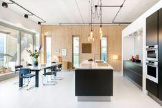 Duurzaam interieur in duurzame woning van het project 'Patch 22'. Op de Johan van Hasseltkade in Amsterdam Noord is een nieuwbouwproject gerealiseerd van de hand van architect 'Frantzen et al'. Het is een geheel duurzaam project, waar is geprobeerd om zoveel mogelijk hernieuwbare materialen te gebruiken en zoveel mogelijk energie …