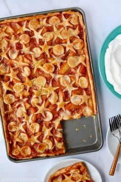 One taste of this Easy Peach Slab Pie and I guarantee this stunner of a filling will be your new goto when stone fruit is in season Pie Recipes, Great Recipes, Dessert Recipes, Cooking Recipes, Summer Recipes, Favorite Recipes, Desserts For A Crowd, Sweet Desserts, Picnic Desserts