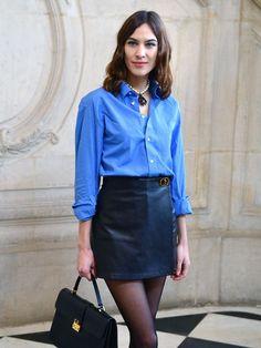blue oxford shirt: alexa chung wearing a blue shirt Alexa Chung Style, Tokyo Fashion, Fashion 2020, Milan Fashion, Fashion Trends, Blue Shirt Outfits, Blue Shirts, Blue Fashion, Fashion Outfits
