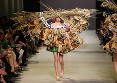 Viktor & Rolf's Spring Summer 2015 haute-couture collection inspired by Van Gogh Artworks