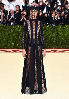 Met gala 2018: Cara Delevingne in Christian Dior