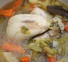 750 grammes vous propose cette recette de cuisine : Poule au pot. Recette notée 4/5 par 83 votants et 7 commentaires.